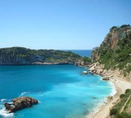 spiaggia di ciottoli Balcone al Mar